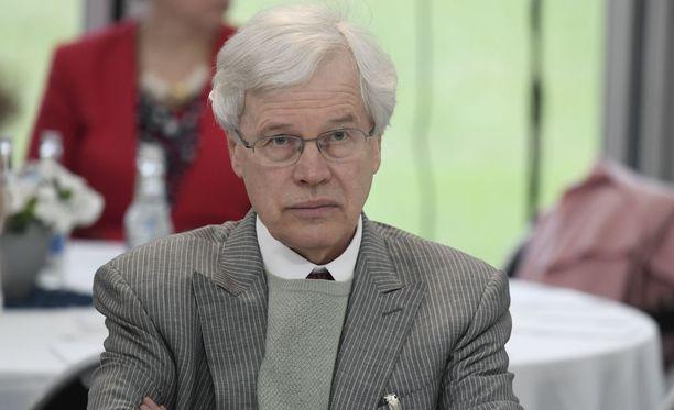 Huhtikuussa 1949 syntynyt Bengt Holmström kuuluu niin sanottuihin suuriin ikäluokkiin. Vuosina 1945-1949 syntyi vuosittain yli 100 000 lasta, kun viime vuonna syntyi 52 814 lasta.