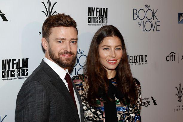 Justin Timberlake ja Jessica Biel menivät naimisiin viiden vuoden seurustelun jälkeen vuonna 2012.