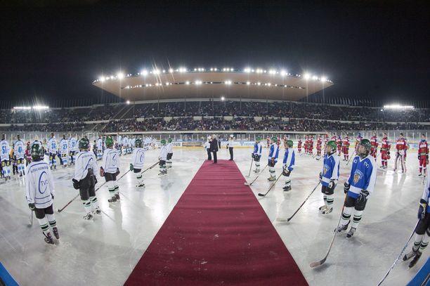 Leijonat ja Venäjä kohtasivat Helsingin Olympiastadionilla helmikuussa 2012.