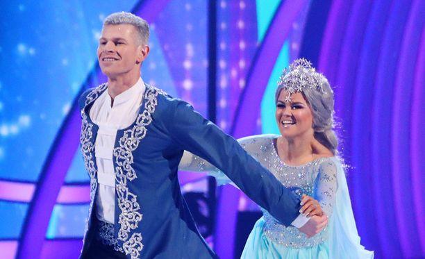 Hamish Gaman ja Saara Aalto kisaavat Britannian Dancing on Ice -ohjelmassa.