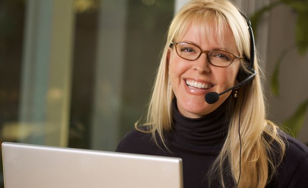 Palvelu- ja myyntityöntekijöille on eniten avoimia työpaikkoja, mutta työttömiä työnhakijoitakin on runsaasti.