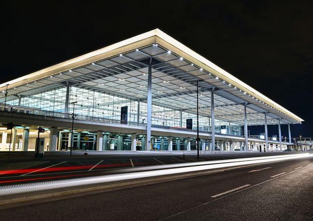 Yksi Berliinin uuden lentokentän vika oli, että kukaan ei saanut valoja pois päältä terminaali 1:stä useaan viikkoon.