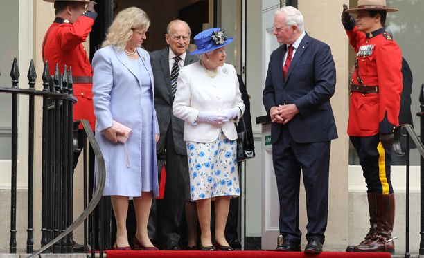 Kuningatar Elisabet ja prinssi Philip tapasivat Kanadan kenraalikuvernöörin David Johnstonin vaimoineen viime viikolla Lontossa.