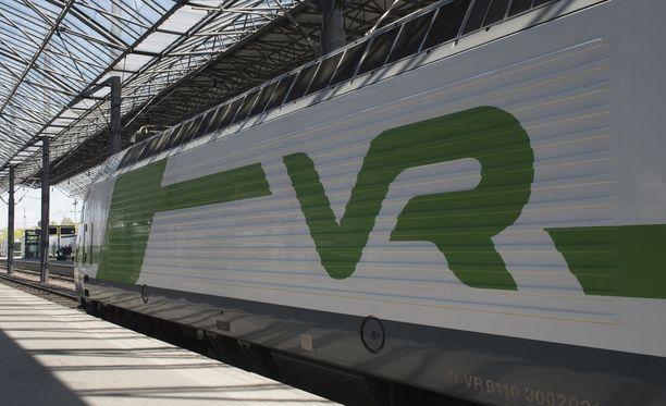 Oulusta Helsinkiin matkalla olleesta junasta puuttui vaunu. Kuvituskuva.