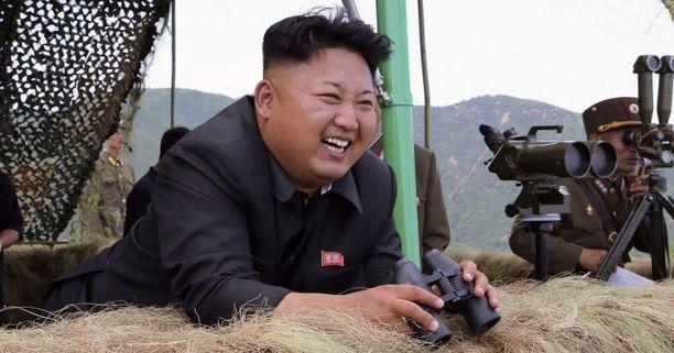 """Pohjois-Korean valtion uutistoimisto KCNA raportoi maan johtajan Kim Jong-unin nähneen, miten sen jalkapallojoukkue voitti """"toisen joukkueen"""" 12-0."""
