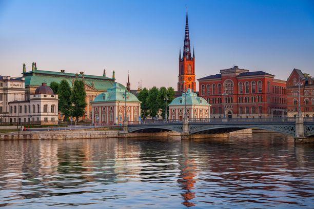 Mies oli tulossa Tukholmasta Suomeen.