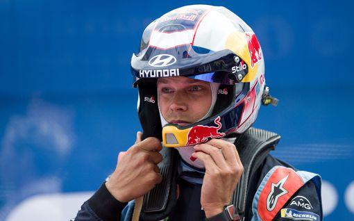 """WRC-konkari salasi vakavan onnettomuuden – mursi useita luita, keuhko puhkesi: """"En ole ikinä satuttanut itseäni sillä tavalla"""""""