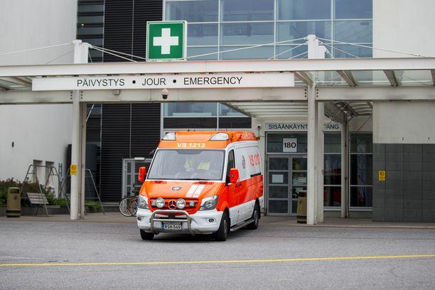 Uhri joutui sairaalahoitoon. Arkistokuva Turun yliopistollisen sairaalan päivystyksen ovelta.