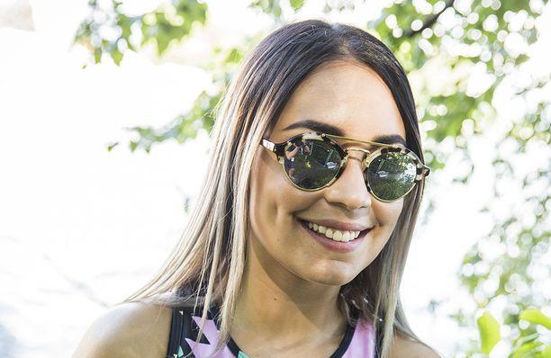 Anna Abreu on lomaillut auringon lämmössä.