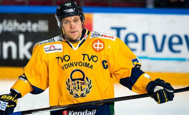 Janne Niskala pukee Lukko-nutun ylleen myös ensi kaudella.