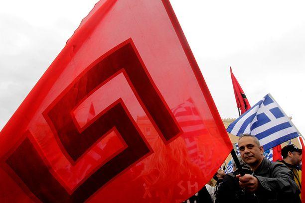 Kreikan fasistinen Kultainen aamunkoitto -puolue ei ole peitellyt yhteyksiään Venäjän äärioikeistoon.