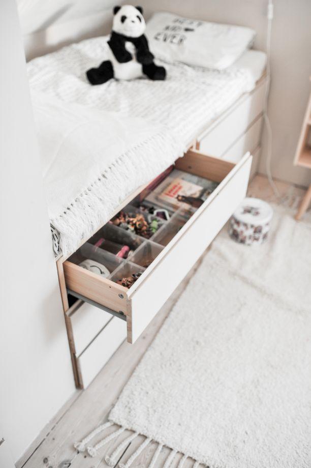 Lipastojen laatikoihin saa kätevästi sujautettua tärkeitä pikkutavaroita.