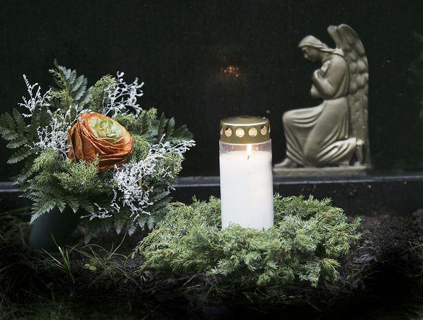 Sairas lapsi joutui epäillyn henkirikoksen uhriksi Nurmijärvellä. Kuvituskuva.