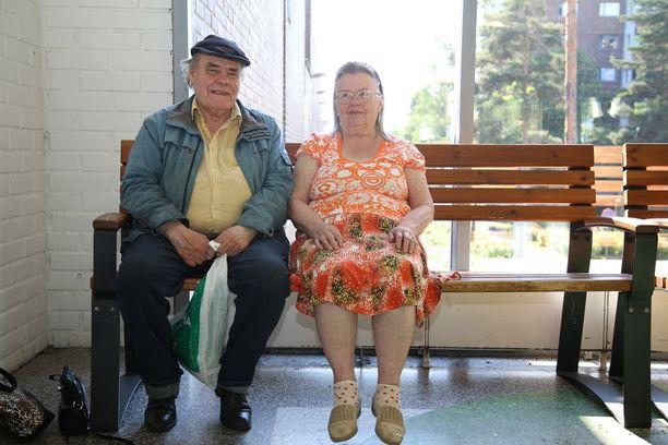 Sisko Augustin ja Seppo Hurme viihtyvät Varissuolla hyvin.