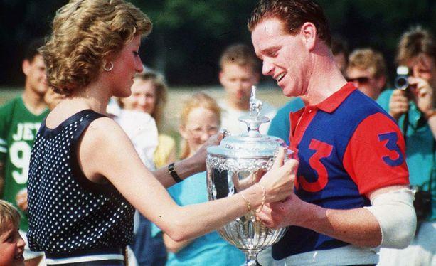 Prinsessa Dianan ja James Hewittin salasuhde kesti viisi vuotta.