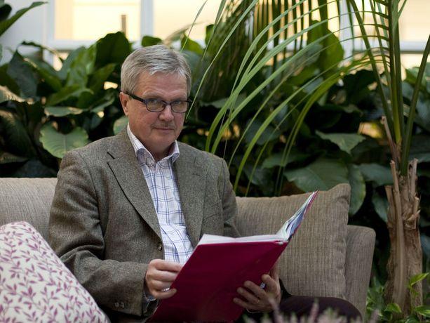 Terhokodin entinen johtaja jäänyt Juha Hänninen toteaa, että useimmat syöpään sairastuneet parantuvat, mutta osa tarvitsee saattohoitoa. - Se ei ole sen kalliimpaa kuin muukaan hoito, hän sanoo. Kuva otettu Terhokodissa marraskuussa 2011.