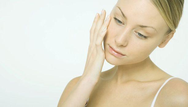 Kosmetiikka sisältää mitä erikoisempia ainesosia.