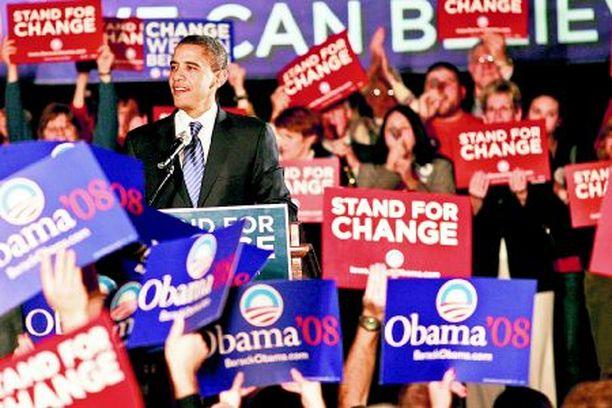 Hillary Clinton jäi Iowan esivaalissa kolmanneksi Barack Obaman voitettua demokraattien keskuudessa selvästi.