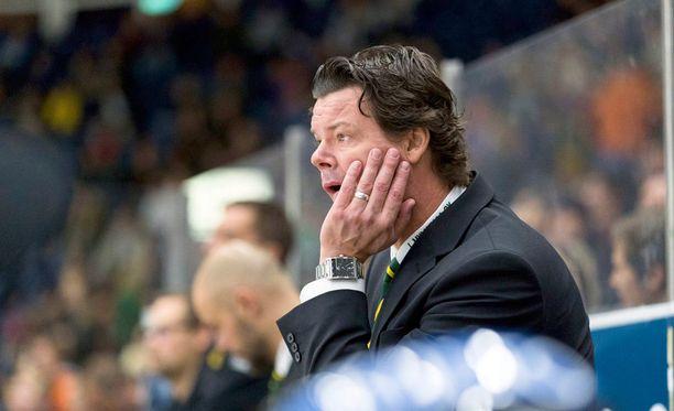 Karri Kivi ei ollut tyytyväinen Ilveksen rangaistusmäärään lauantain paikallisottelussa.