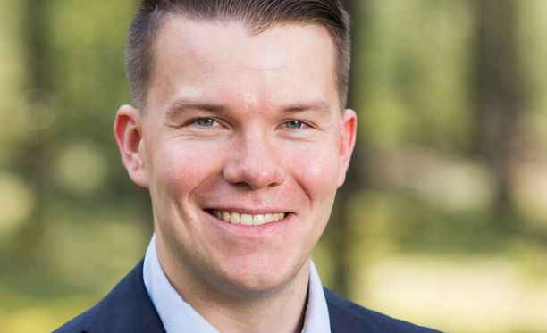 Mikkel Näkkäläjärvi toi esiin rikostaustansa Facebook-sivullaan HS:n ensin uutisoitua ilman nimeä, että SDP:n eurovaaliehdokkaalla on rikostuomio.
