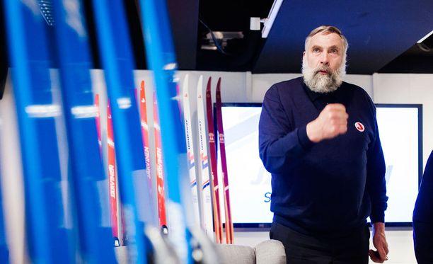 Juha Miedon mämmiurakka on jokakeväinen perinne.