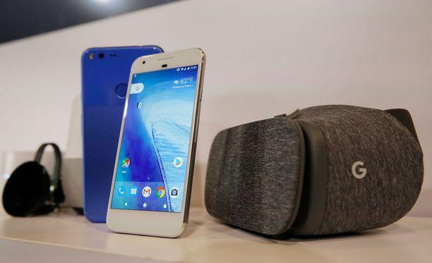 Google julkisti tiistaina uuden puhelimen, virtuaalitodellisuuslasit, 4K-tuella varustetun Chromecastin, Google Home -laitteen sekä reitittimen.