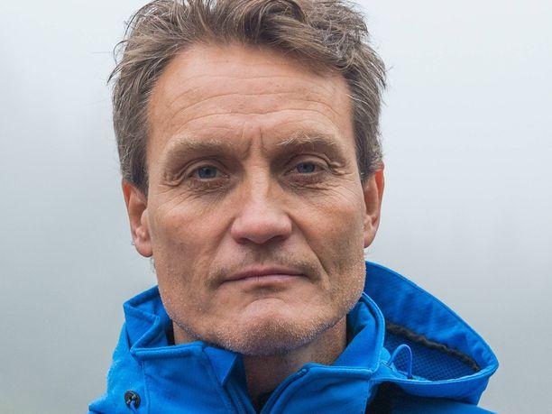 Mika Kojonkoski valmentaa kiinalaisurheilijoita olympiakävijöiksi.