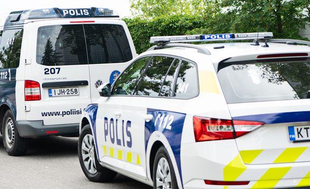 Puukotuksesta epäilty mies ilmoittautui itse poliisille (kuvituskuva).