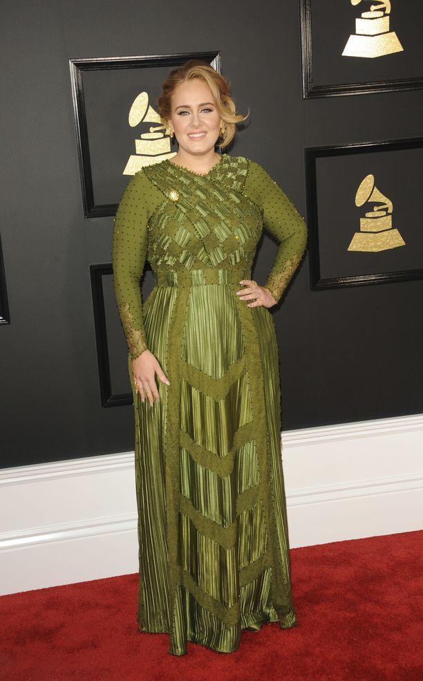 Laulaja Adele on peräti 15-kertainen Grammy-voittaja, lisäksi hänet on palkittu muun muassa Oscarilla ja Golden Globella. Kuva vuodelta 2017.