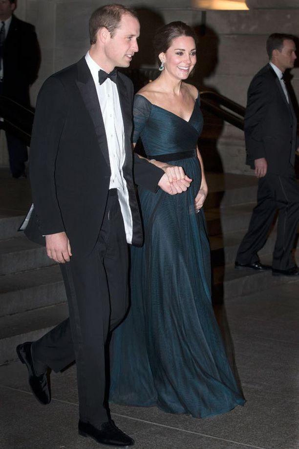 Catherinen ja William osallistuivat yliopistonsa 600-vuotisjuhlaan.