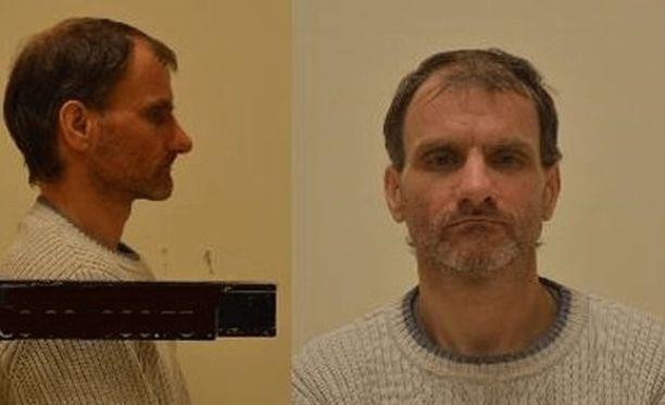 Poliisi julkaisi kuvan kiinniotetusta miehestä, joka saalisti alaikäisiä internetissä.