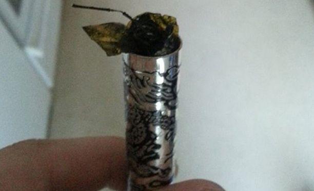 Tupakka räjähti kesken latauksen.
