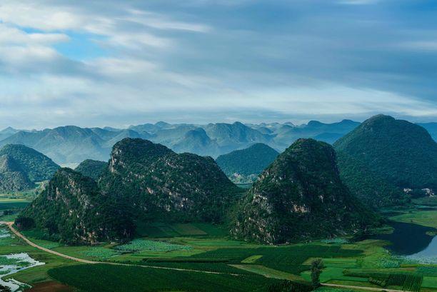 Nian-järven ympäristössä eteläisen Kiinan Yunnanissa on jo näin vehreää.
