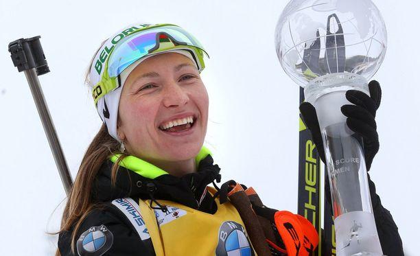 Darja Domratsheva juhli maailmancupin voittoa maaliskuussa 2015.