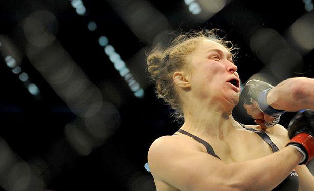 Ronda Rousey sai UFC-kehässä sokkihoitoa jo toisen kerran putkeen.