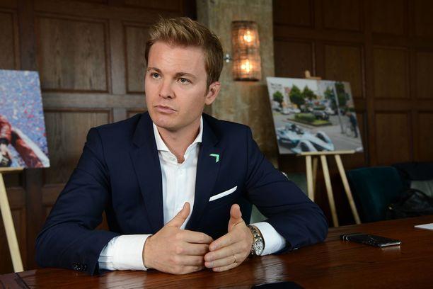 Nico Rosberg kiistää saaneensa porttikiellon F1-tapahtumiin.