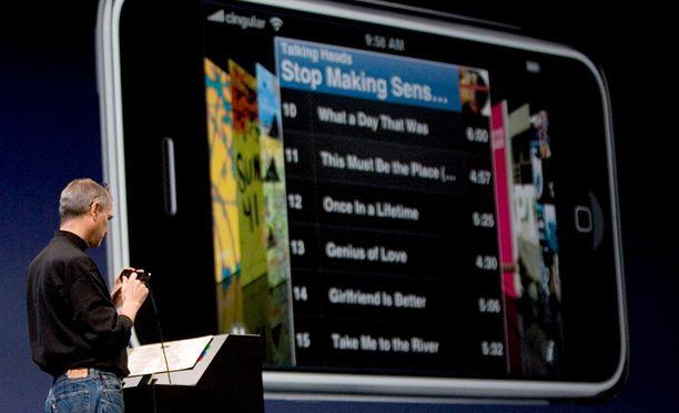 Steve Jobs esitteli ensimmäisen Iphonen maailmalle 9.1.2007.