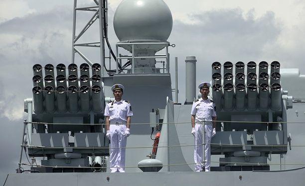 Ennen varsinaisia harjoituksia Venäjän ja Kiinan laivastot osallistuvat yhteisiin juhlallisuuksiin Baltijskissa Kaliningradissa. Kuvituskuva.