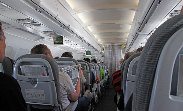 Yhdysvallat vaatii lentojen turvatoimien tiukemistamista.