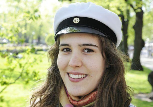 Donya pyrkii opiskelemaan Helsingin yliopiston oikeustieteelliseen.