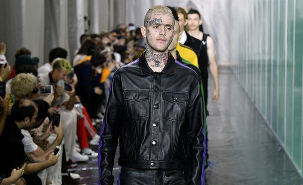 Lil Peep osallistui kesäkuussa Pariisin muotiviikoille.