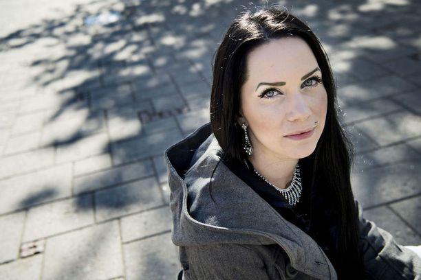 Äiti Laura Kaasinen aikoo vaatia yliajajalle kovempia rangaistuksia.