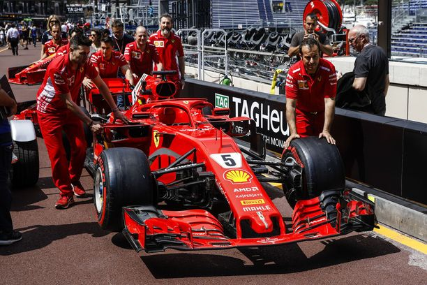 Lähteiden mukaan Ferrarin autoissa on Monacossa lisäosa, joka estää sellaisen sääntöjenvastaisen toiminnan, josta Mercedes on sitä syyttänyt.