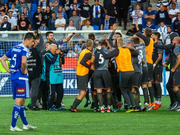 HJK:n viime kausi oli murheellinen. Joukkue sijoittui sarjassa vasta viidenneksi. Europpaa-liigan karsinnoissa Riga FC juhli Telia-areenalla.