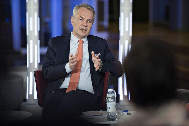 Suomalaiset nostavat vihreiden puheenjohtajan Pekka Haaviston pääministerisuosikikseen Lännen Median teettämässä kyselyssä.