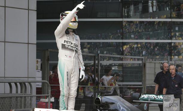Lewis Hamilton oli ykkönen Shanghaissa.