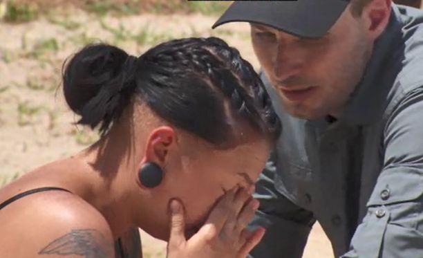 Veronica kertoo, että hänen itkunsa vain jatkui. Lopulta se muuttui hyperventiloinniksi.