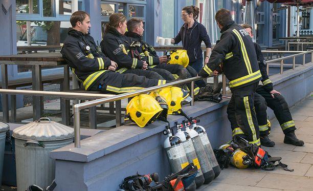 Sammutustöihin osallistui 200 palomiestä.