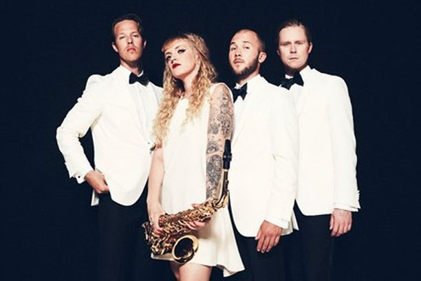Haloo Helsinki! -yhtye teki paluun uuden kappaleen myötä.