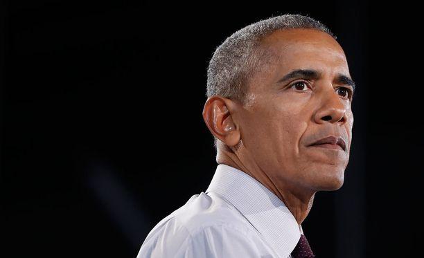 Obama puhui Hillary Clintonin kampanjatilaisuudessa Pohjois-Carolinassa perjantaina.